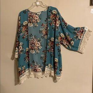 New Umgee floral kimono